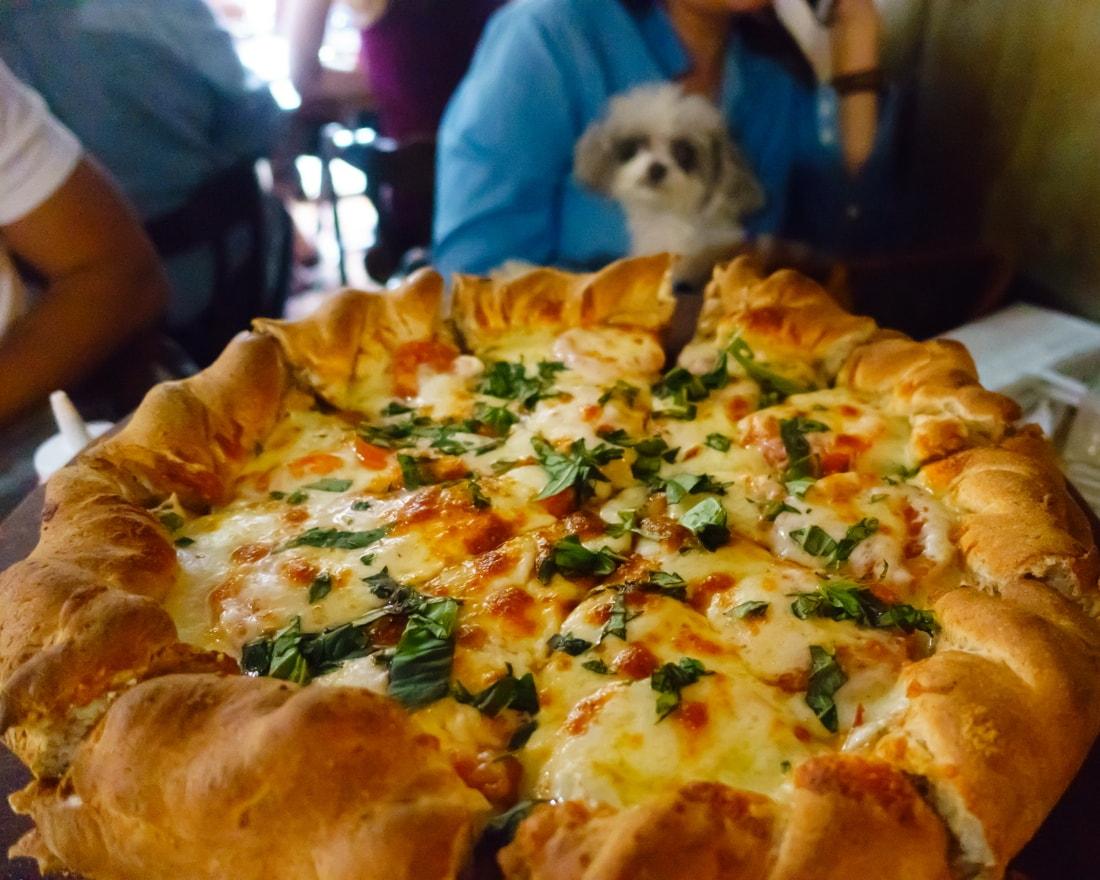Beau Jo's Margherita pizza